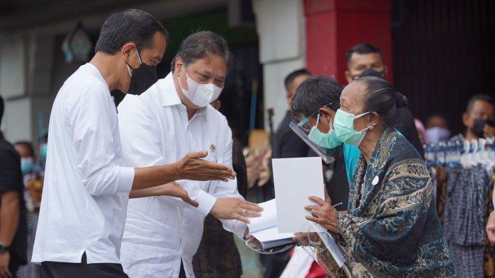 Dampingi Presiden Jokowi, Airlangga ke Yogyakarta Serahkan Bantuan Tunai Warung dan PKL