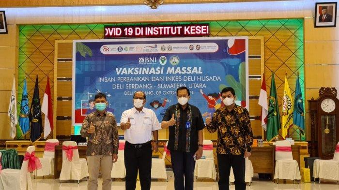 BNI Cabang Medan Bersama OJK Gelar Vaksin Massal di Institut Kesehatan Delihusada Kota Medan