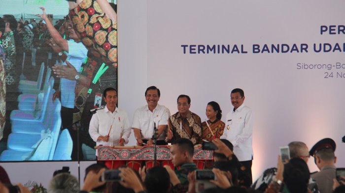 Di saat Ada Aksi Bukan Batak, Presiden Jokowi Berbahasa Batak Resmikan Silangit