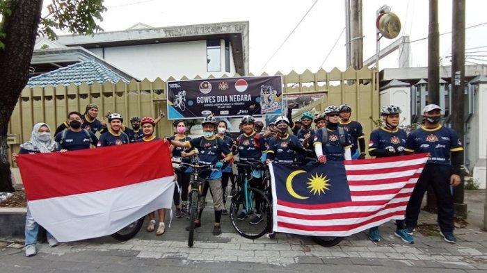 Gowes Dua Negara Indonesia dan Malaysia Bangun Silaturahmai Antarnegara Serumpun