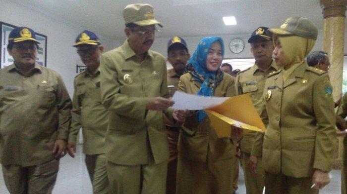 Gubernur Tengku Erry Kunjungi Kantor SKPD, Ini yang Dilihatnya