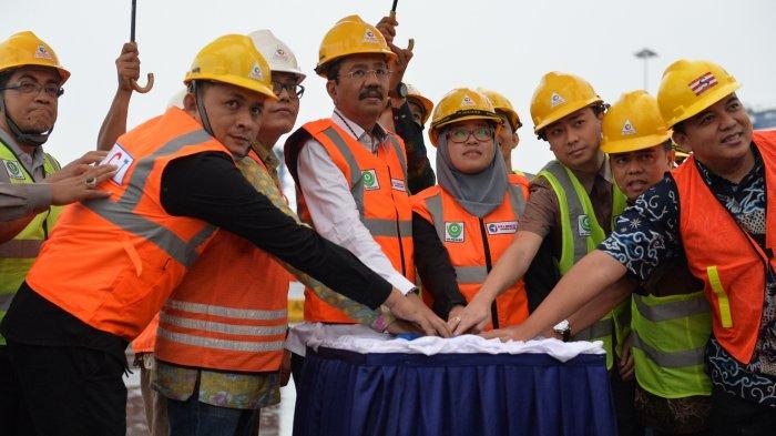Lepas Kapal Kemanusiaan, Ini Komentar Gubernur Tengku Erry Nuradi