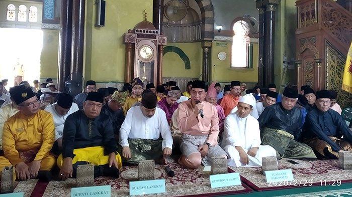 Menuju Destinasi Wisata Dunia, Masjid Azizi Langkat dan Makam T Amir Hamzah Direnovasi