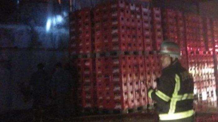 Malam Idul Fitri, Gudang Coca Cola Terbakar di MedanLabuhan
