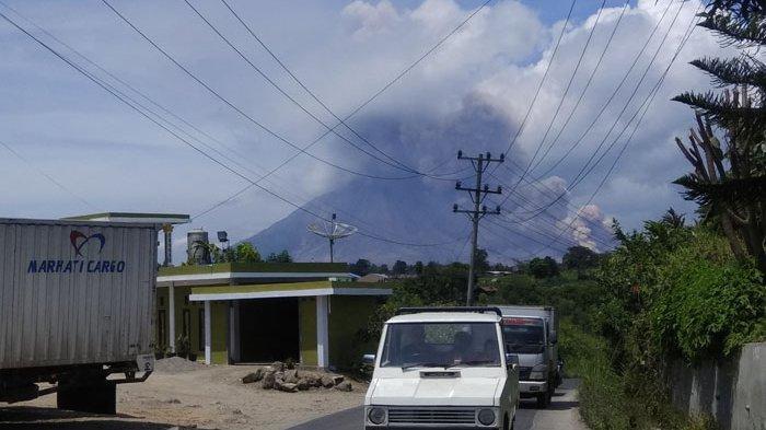 Aktivitas Gunung Sinabung Terus Fluktuatif, Masyarakat Diingatkan Waspadai Guguran Lava