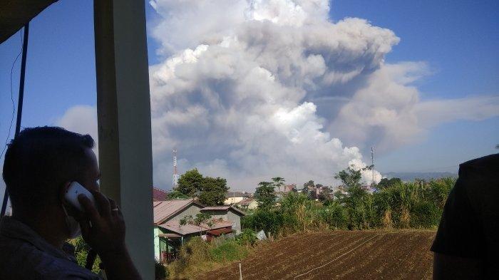 Meluncur Sejauh 5000 Meter, Abu Vulkanik Gunung Sinabung Sudah Mencapai Sungai Lau Borus