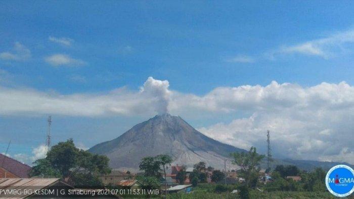 ERUPSI Gunung Sinabung Kamis 1 Juli Hari Ini, Meluncurkan Abu Vulkanik Setinggi 800 Meter
