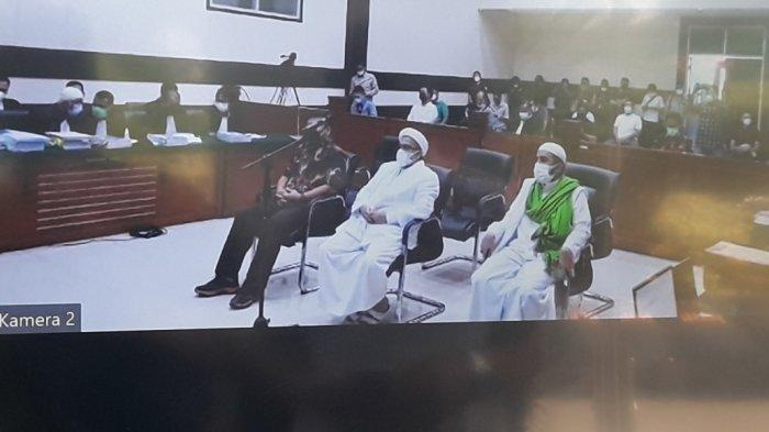 Habib Rizieq Shihab Menangis di Ruang Sidang, Ingat tak Bisa Pulang ke Indonesia