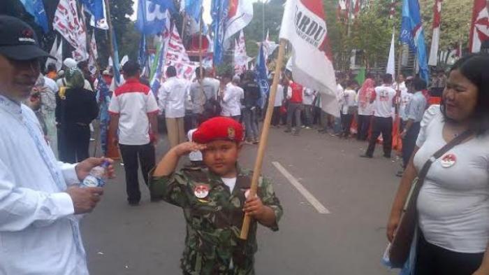 Bocah 5 Tahun Ini Tak Mau Pulang Kalau Prabowo Batal Jadi Presiden