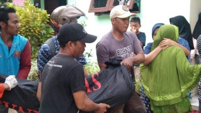 Keluarga Histeris Terima Jenazah Nabili yang Hanyut di Sungai Belawan
