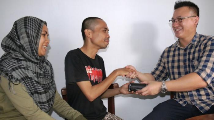 Hardiyanto Kenneth Sumbang Kamera untuk Andri Safrin