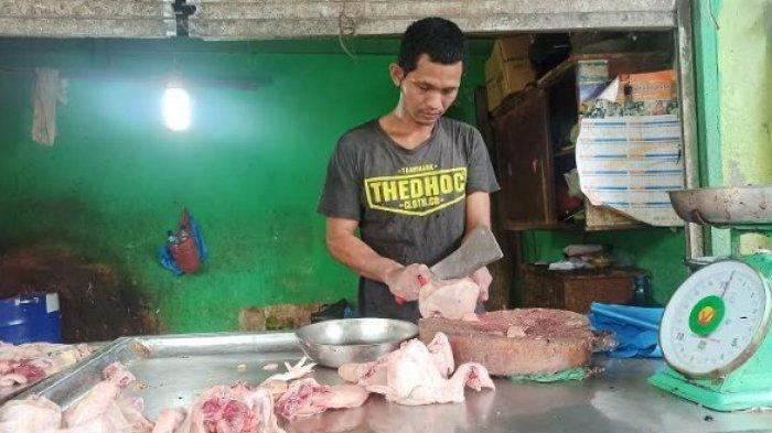 Harga Daging Ayam Meroket di Sejumlah Pasar Besar Kota Medan Hari Ini