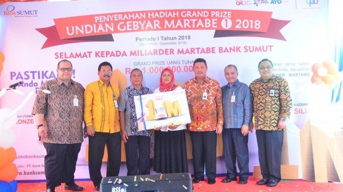 Pensiunan ASN Menangkan Uang Rp 1 Miliar dari Undian Tabungan Emas Martabe Bank Sumut