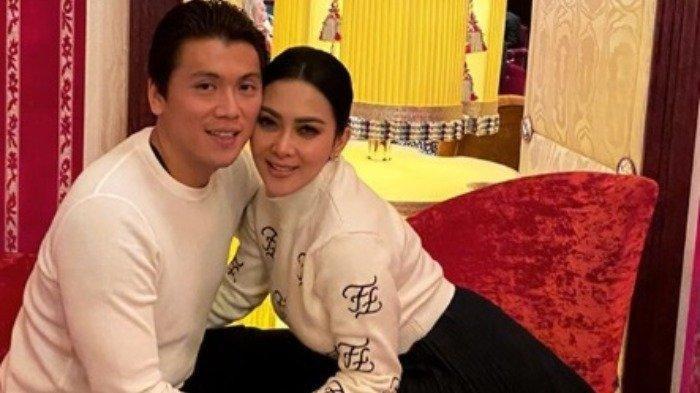 Syahrini Pamer Tenteng Tas Mewah Seharga Rumah, Begini Reaksi Netizen Lihat Penampilan Istri Reino