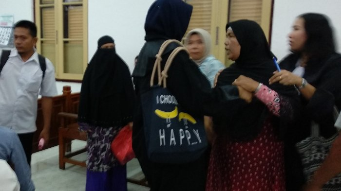 Anak Kandungnya Jadi Korban Pembunuhan Sang Menantu, Ibu Ini Mengamuk di PN Medan