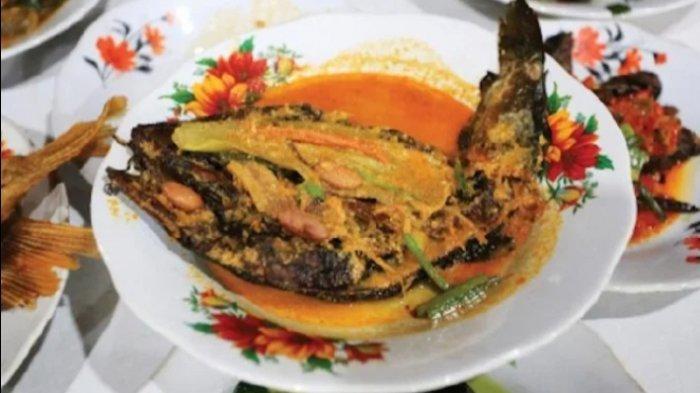 Cara Masak Gulai Ikan Asap Salai Khas Kabupaten Tapanuli Selatan Agar Lebih Wangi dan Empuk