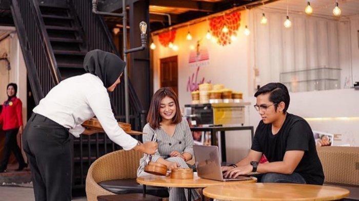Sensasi Makan Menu Food Court Ala Kontainer di Inbox Cafe