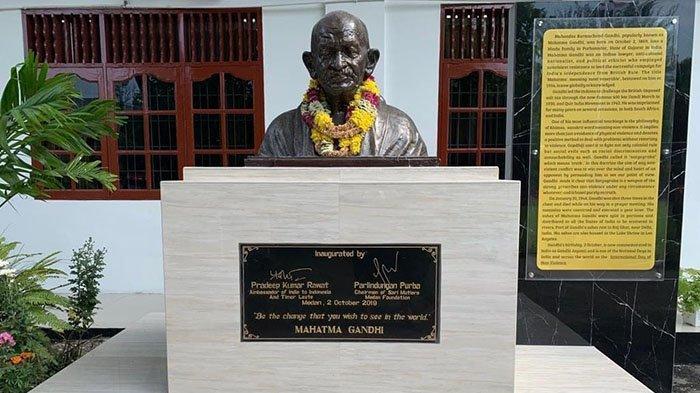 Universalitas dan Relevansi Mahatma Gandhi