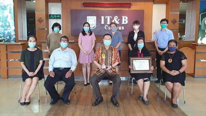 Top, Institut Bisnis IT&B Juara III Terbaik Kategori Pengabdian Masyarakat