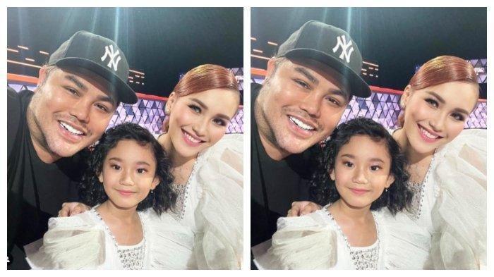 Ivan Gunawan bersama Ayu Ting Ting dan anaknya Bilqis.