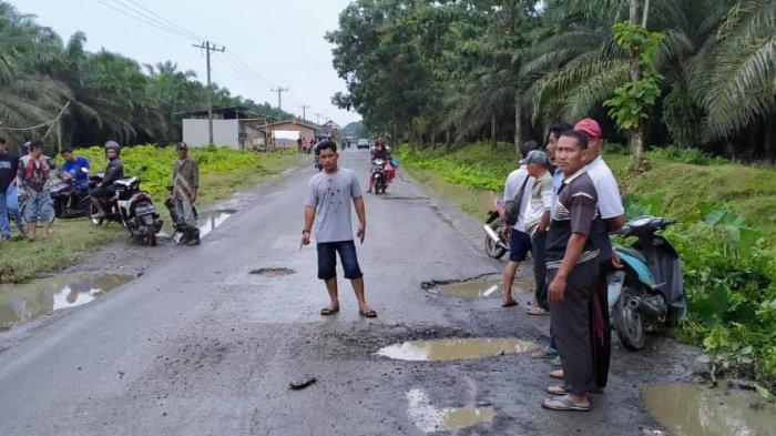 Jalan Rusak di Langkat Timbulkan Korban Jiwa, Pemerintah Janji Bulan Oktober Dilakukan Perbaikan
