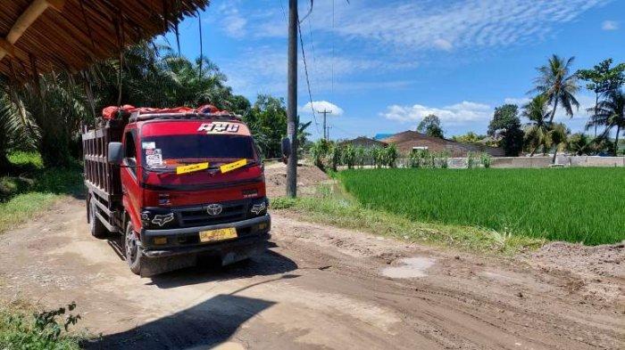 Truk Bertonase Tinggi Hancurkan Jalan Penghubung Desa di Dua Kecamatan di Kabupaten Sergai