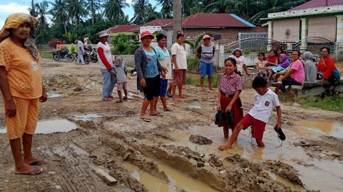 Miris Sekali, Jalan di Kecamatan Gebang Persis Jalur Offroad