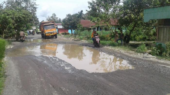 Perbaikan Jalan Menuju Bukit Lawang Terkendala Refokusing Anggaran
