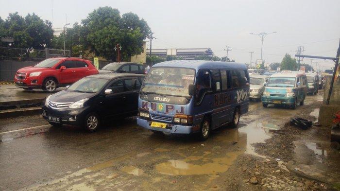 Kemacetan Mengular di Kawasan Sisingamangaraja