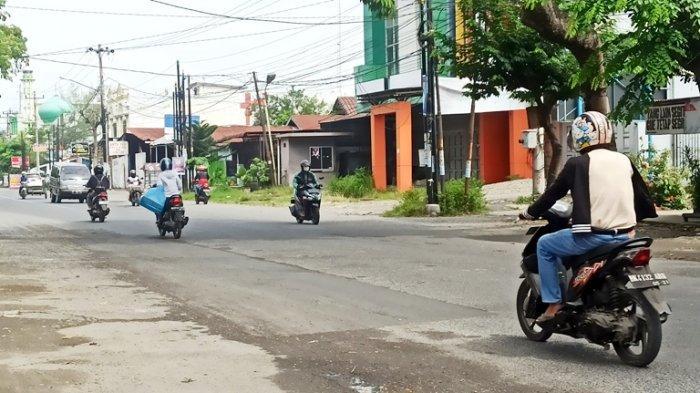 Jalan Tambal Sulam di Bilal Ujung yang Mirip Kolam Ditutup, Warga Merasa Lega