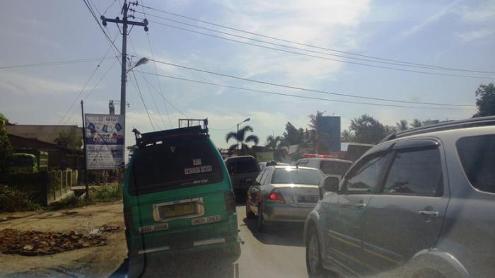 Kemacetan Mengular di Pasar Bengkel