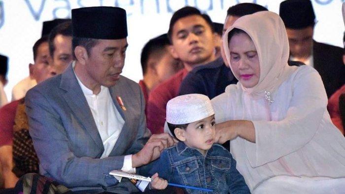 Potret Kedekatan Presiden Jokowi Bareng Jan Ethes, Tak Sangka Cucunya Ternyata Sudah Tumbuh Besar