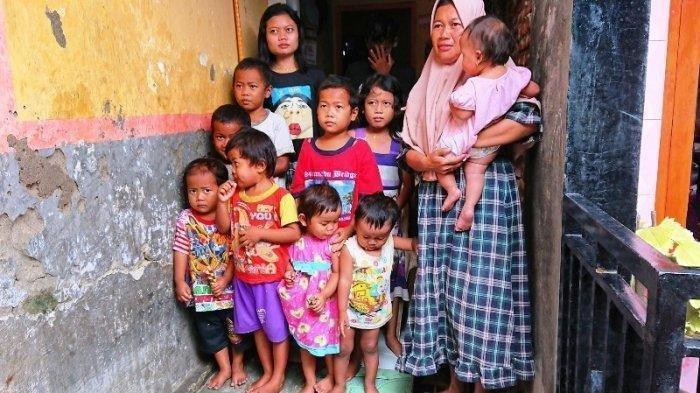 PERJUANGAN Sriyanti (44) Seorang Diri Menghidupi 16 Anak Masih Kecil-kecil di Rumah Ukuran 3x6 Meter