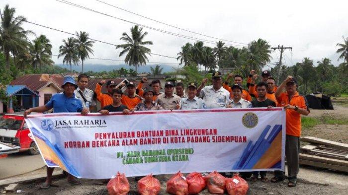 Jasa Raharja Bantu Korban Banjir di Kota Padang Sidempuan