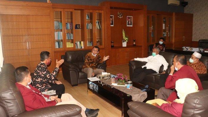 Jelang Milad Ke-69, Rektor UISU Silaturahmi ke LLDikti