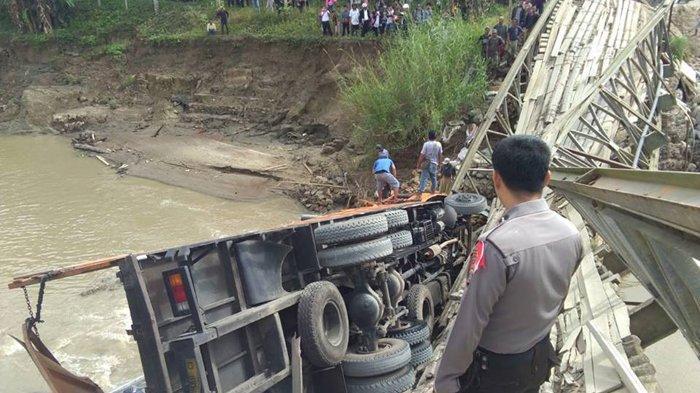 Ini Penjelasan Kapolres Penyebab Jembatan Darurat di Nias Terputus