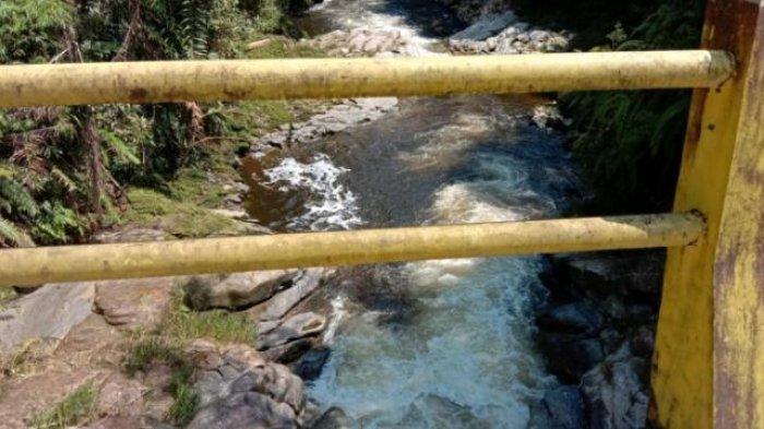 Diduga Bunuh Diri, Hertina Sinaga Terjun dari Jembatan Sungai Aek Rahu Parlilitan