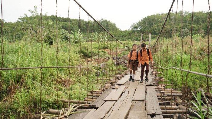 Inilah Kisah Arsitek Swiss Membangun Jembatan Gratis di Pelosok Indonesia