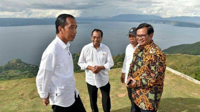 Gak Nyangka Jokowi Alami Hal tak Menyenangkan Ini saat Susuri Danau Toba