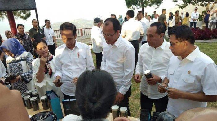 Foto-foto Jokowi Tiba di Danau Toba Langsung Lihat Pengembangan Quick Win Sipinsur Geosite