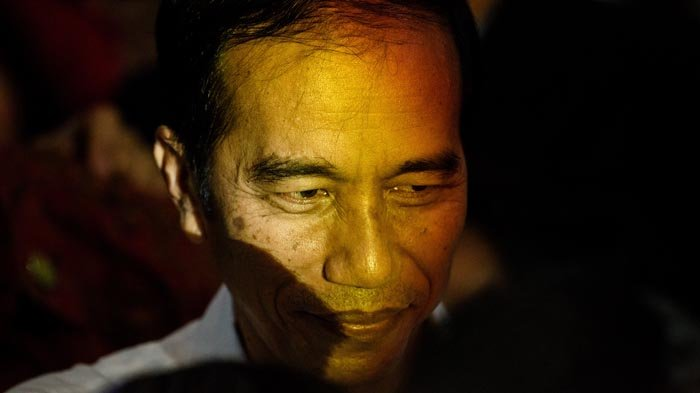 Pembubaran Hizb ut-Tahrir, Pemenjaraan Ahok, Apakah Jokowi Sedang Main Catur?