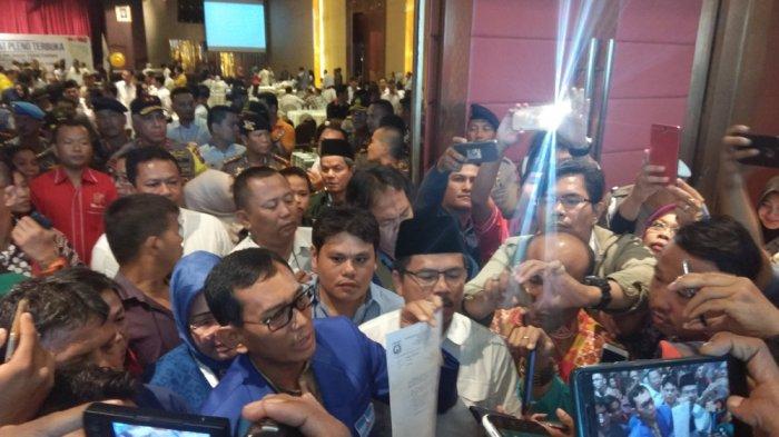Pendukung JR -Ance Menangis, Sayangkan Keputusan KPU Sumut