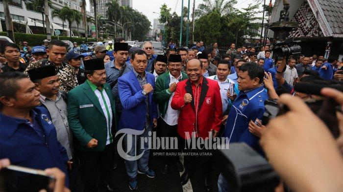 JR Saragih-Ance Selian Daftar Bersama Perwakilan 3 Partai Pengusung