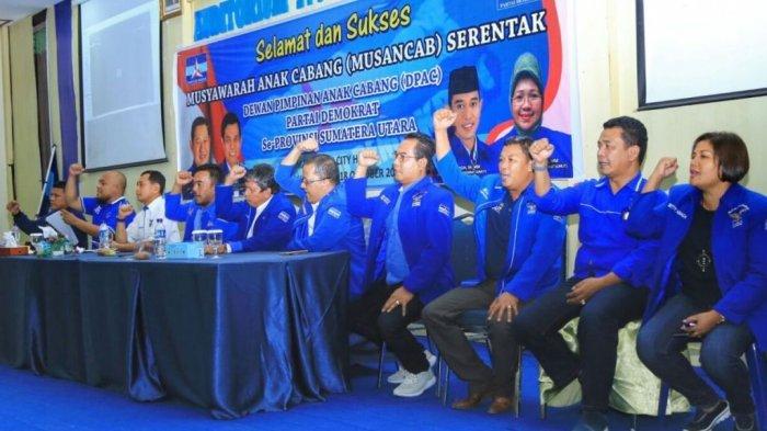 Lantik DPC dan DPAC, JR Saragih Pilih Jalan Kaki