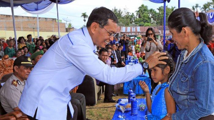 Mendapatkan Bantuan JR Saragih, Yolanda Bisa Kembali Sekolah