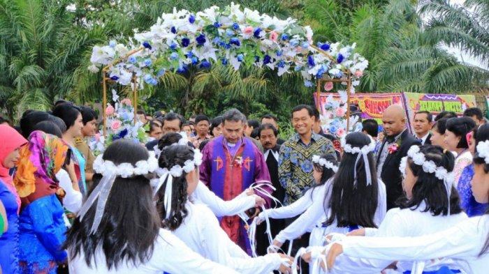 Selain Safari Ramadan, JR Saragih Gelar Safari Natal Bersama Masyarakat ke Tujuh Kecamatan