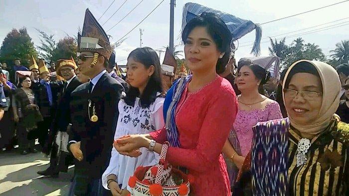 Ibu JR Saragih Istri dan Putrinya  Ikut Paborhathon Dirinya menuju Pilgub Sumut
