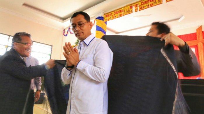 Maju ke Pilgub, JR Dapat Doa Restu Gerejawan GKPPD di Dairi