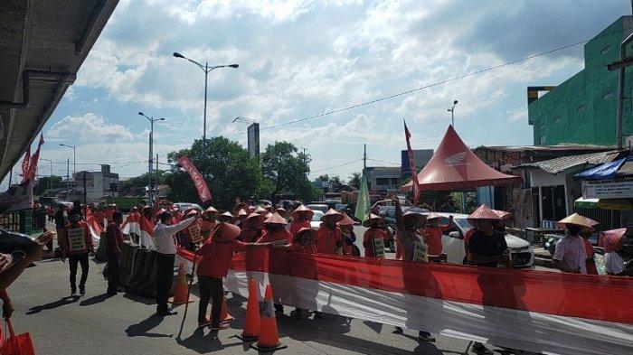 Terkait Konflik Lahan PTPN II, Ratusan Petani Medan Jalan Kaki Jumpai Presiden