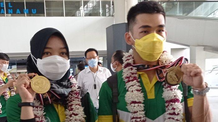 Tim Wushu Sumut Tiba di Bandara Kualanamu, Harris Horatius dan Juwita Niza Wasni Merasa Bangga